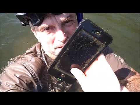 River Treasure: 2 iPhones, Huge Gold Ring, Raybans and MOAR!