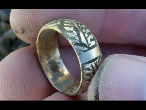A bit of the Gold stuff! Metal detecting UK # 101