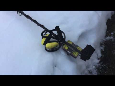 Metal Detecting the Snow for Gold & Cell Phone on Dec.24th