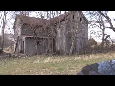 Exploring An Abandoned House 2017