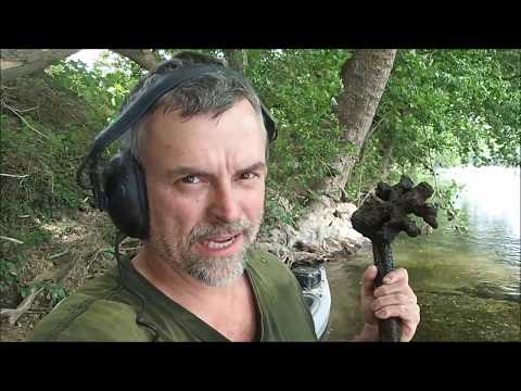 Metal Detecting In The River: Relics, Watches And MOAR!