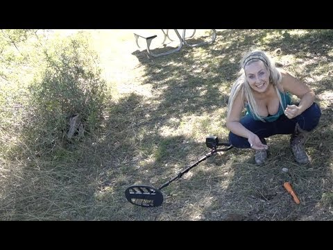 Diggin Britt Metal Detecting at a 1,000 Acre Texas Ranch