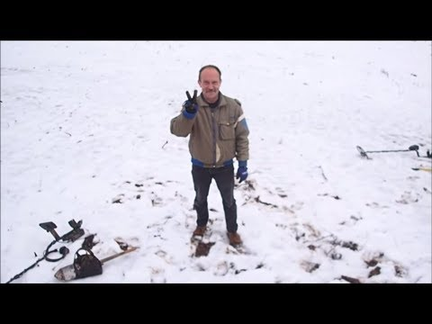 Metal Detecting  Adventure In The Snow