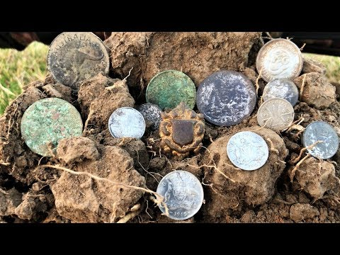 Metal Detecting A Full House Of Silver Minelab CTX 3030 ⛏