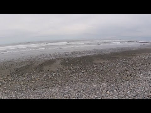 Beach Metal Detecting Hunt #89 – Silver ring and stuff 'n things