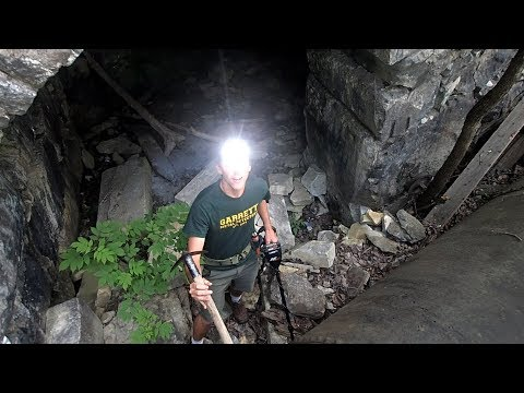 EXPLORING The Creepy Tunnel! – Could it be a Hideout?