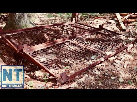 Finding the old cabin in the woods metal detecting NH