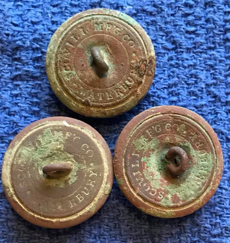 Super day in the field, 3 gorgeous CW infantry buttons!