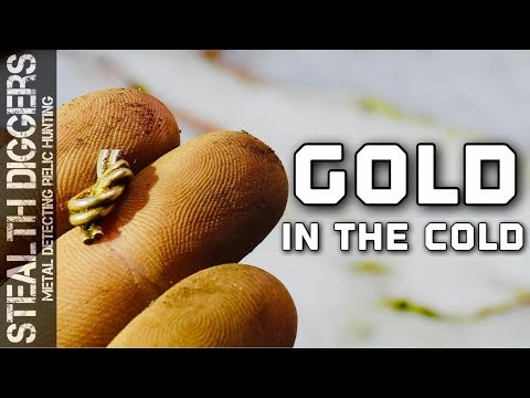 #276 Gold in the cold metal detecting a cellar hole in winter finding relics and gold