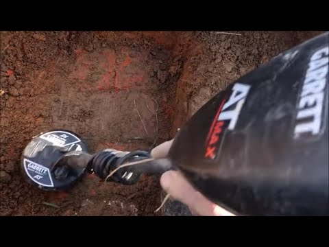 Relic Recovery With A Metal Detector : Deep Digging