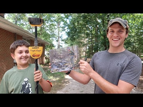 I Surprised a HUGE Fan and Took Him Metal Detecting!
