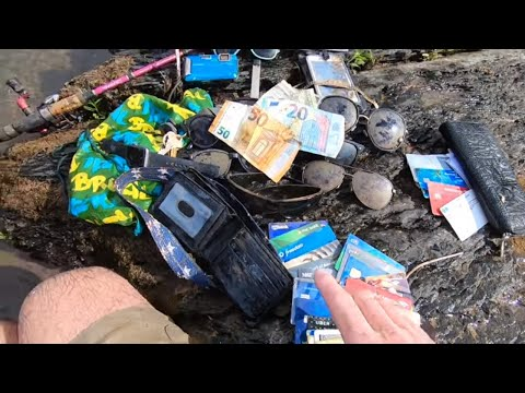 River Treasure! Who Carries 16 Credit Cards??? Cash Edition