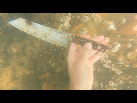 Found Gold Ring and Huge Knife While Metal Detecting the River!