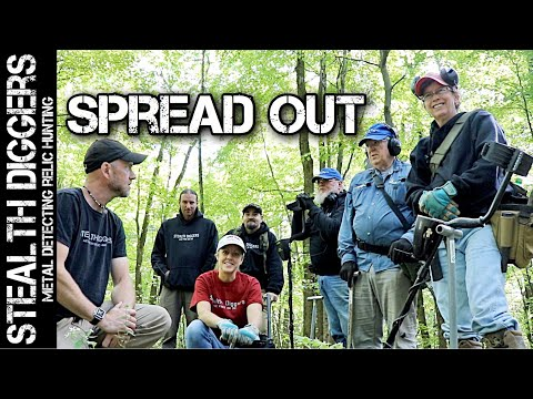 Spread out metal detecting group hunt in New Hampshire